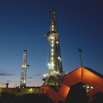Heiz- und Prozesszeiten sind zwar systembedingt höher als bei vergleichbaren ex- ternen induktiven Systemen, können jedoch gegenüber den in der Industrie etablier- ten variothermen Systemen wie dem Ölvariotherm-Verfahren stark reduziert werden.